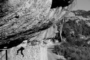 """Playing around with shadows...Kili Fischhuber sticking the dyne of """"Demencia Senil"""" in Margalef"""