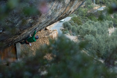 Jakob Schubert ending a day of climbing in Margalef