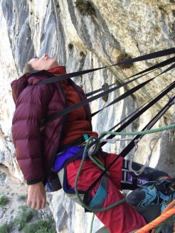 How to make an uncomfortable belay comfortable ;)